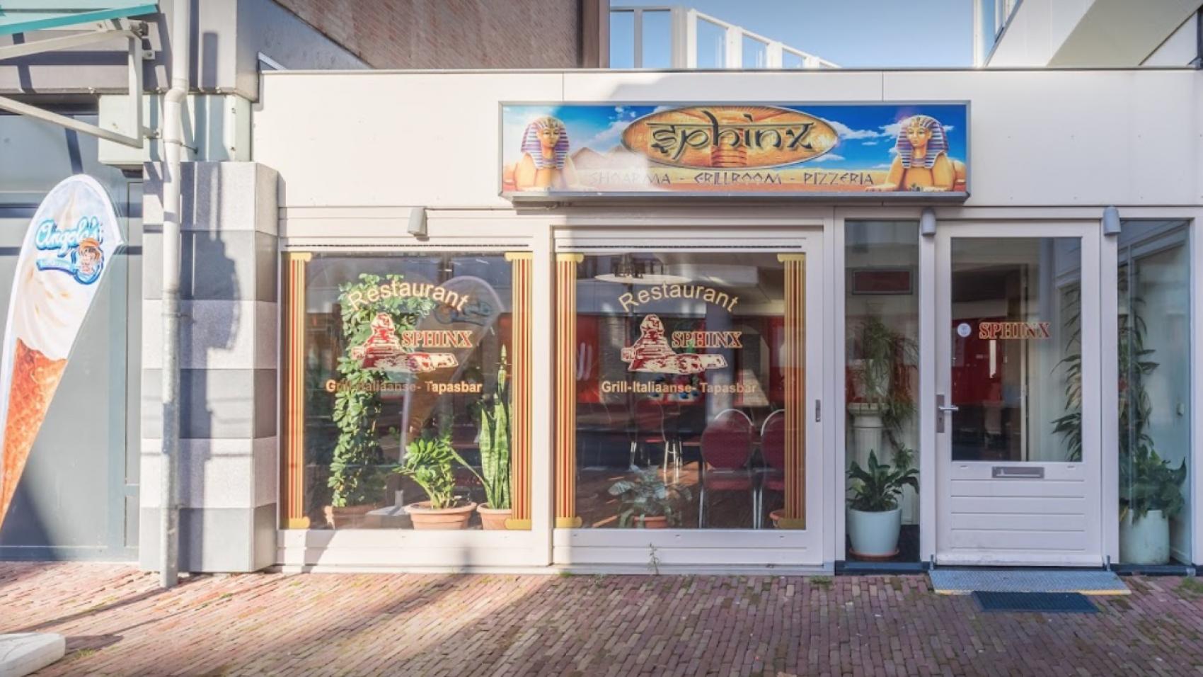 Promenade Sphinx Restaurant